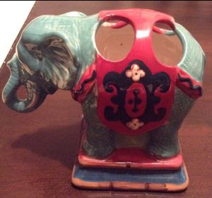 New elephant toothbrush display for Sale in Port St. Lucie, FL