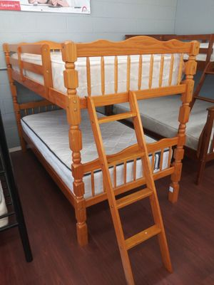 New Twin/Twin Wooden Bunk Bed for Sale in Parma, OH