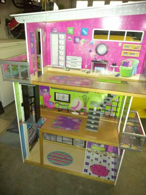DOLL HOUSE FOR SALE for Sale in Vacaville, CA