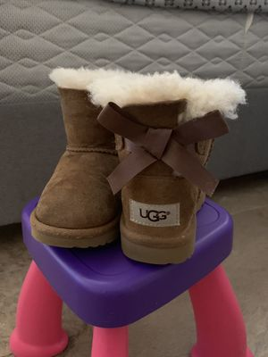 UGGS for toddler size 8 for Sale in Sunnyvale, CA