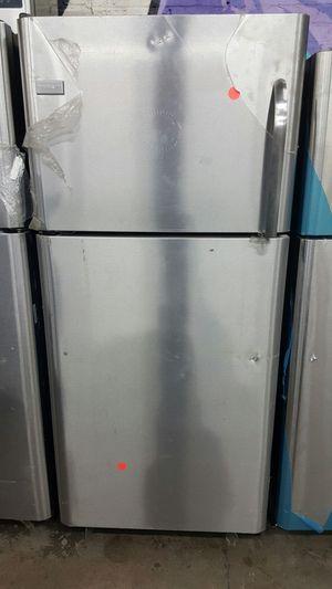 New frigidaire fridge for Sale in Paterson, NJ