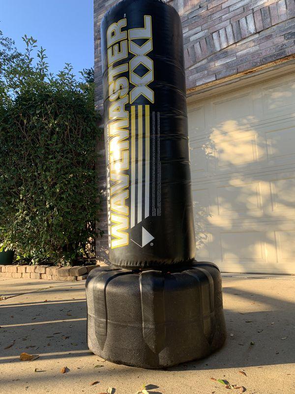 Punching Bag (Century Wavemaster XXL)