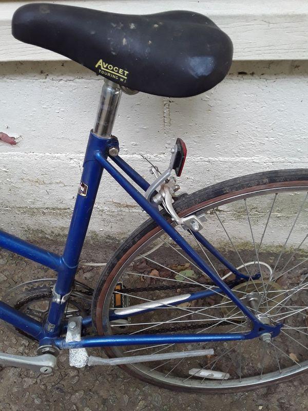 ladies giant blue bike racer road bike