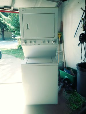 KENMORE.GAS .WASHER .MACHINE. STACKABLE for Sale in Grand Prairie, TX