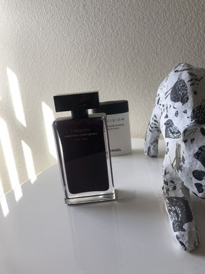 Narciso Rodriguez perfume for Sale in San Diego, CA