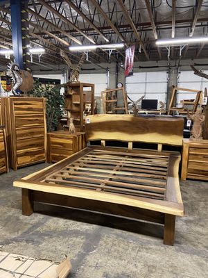 Solid Wood Queen Platform Bed Frame / Queen Mattresses Start at $349 for Sale in Vancouver, WA