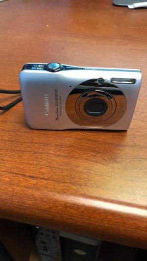 Canon Elph Powershot SD1300 IS Digital Camera for Sale in Germantown, MD