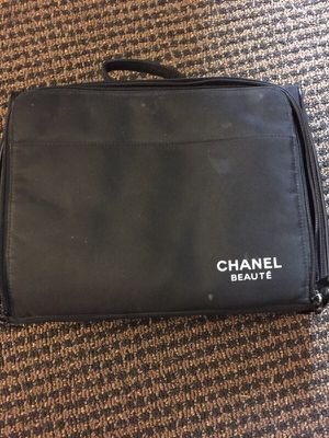Chanel Beaute Makeup Case for Sale in North Bethesda, MD