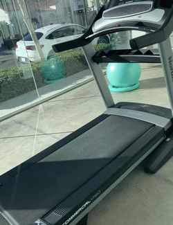 Brand New Nordictrack Treadmill! 2021 Commercial 1750 for Sale in Los Angeles,  CA