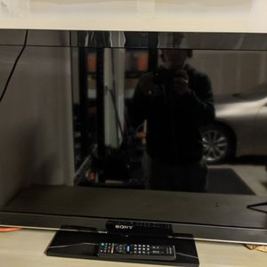 "Sony Bravia KDL-40BX450 40"" 1080p HD LCD for Sale in Redwood City, CA"