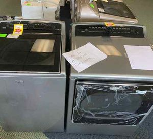 BRAND NEW WHIRLPOOL WASHER AND GAS DRYER SET JY for Sale in Houston, TX
