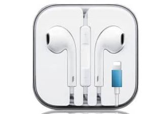 2 pieces For Apple iPhone 7 8 Plus X XS MAX XR Wired Headphones Headset Earbuds Gift for Sale in Woodland, CA