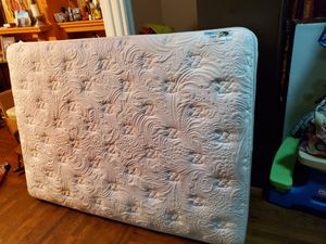 Full mattress and box springs both x $30 for Sale in Oakland, CA