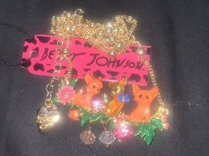 Betsy Johnson acrylic 🐈 garden flower 🌺 pendant chain for Sale in Downers Grove, IL