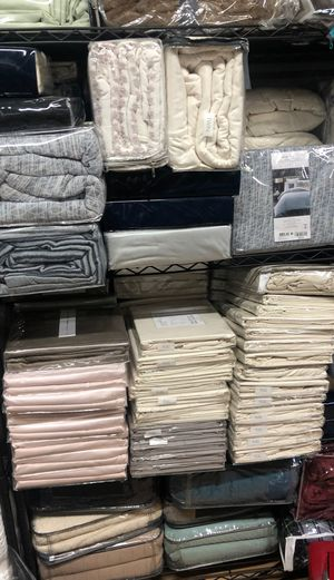 Bloomingdales sheets and duvets for Sale in Hollywood, FL