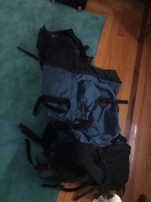 Huge inside hiking backpack with detachable day pack lid! for Sale in Northford, CT