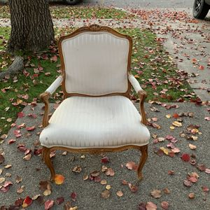 Antique Chair for Sale in Fresno, CA