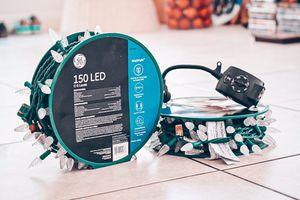 2 PCS 150 Led C-5 lights + timer for Sale in Las Vegas, NV
