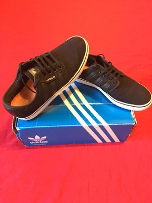 """Authentic """" Adidas"""" Sport 3 - Stripes Style Slim Classic - Basically new for Sale in Los Angeles, CA"""
