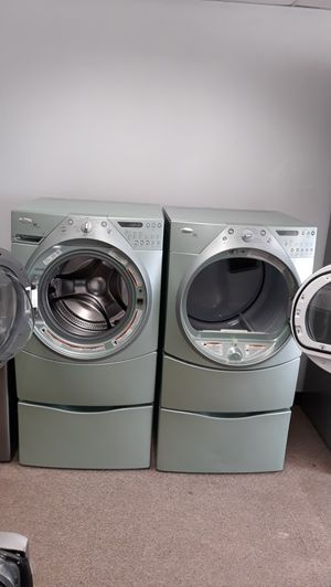 Front load washer and dryer set excellent condition for Sale in Laurel, MD