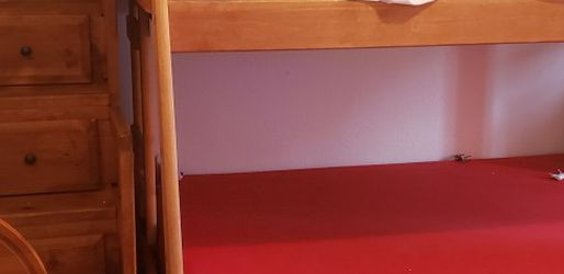 Twin Over Full Bunk Bed for Sale in Vancouver,  WA
