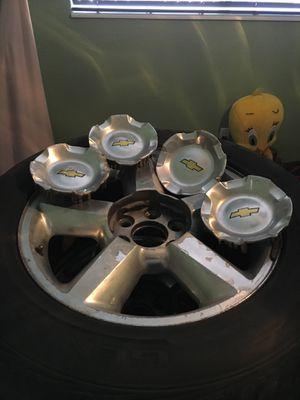 """Chevy GMC Silverado 20"""" wheel and tire 275/55/20 set for Sale in Miami, FL"""