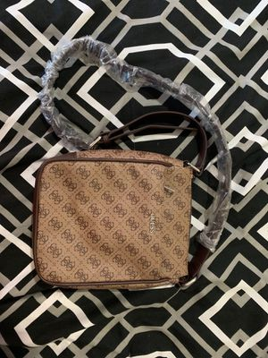 Guess Crossbody Bag for Sale in Anaheim, CA