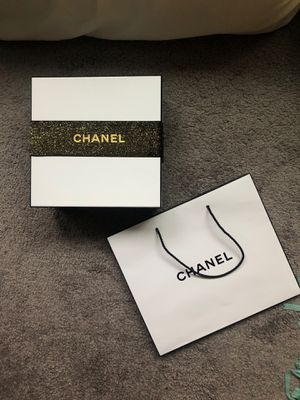 Chanel box for Sale in Seattle, WA
