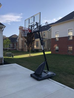 "Spalding 54"" Adjustable Basketball Hoop for Sale in Dublin, OH"