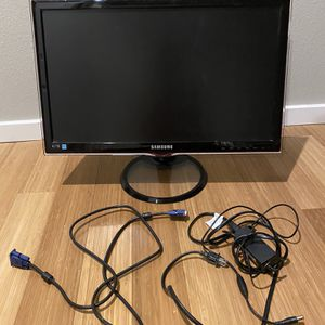 Samsung LED Monitor and Power Adaptor for Sale in Seattle, WA
