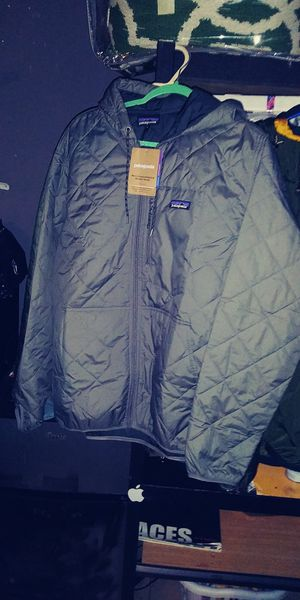 Patagonia Men's Hex Grey Quilted Bomber Jacket for Sale in Garden Grove, CA