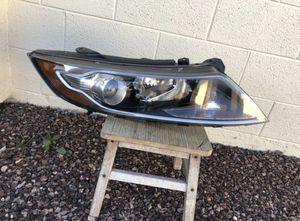 2011 , 2012, 2013 Kia Optima OEM headlight, headlamp, passenger side, front headlight headlamp, front car auto light, upper bumper light for Sale in Glendale, AZ