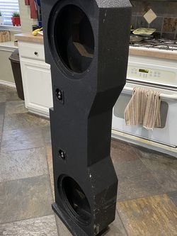 """Dual 12"""" sub box for 14-16' GM CREW CAB trucks for Sale in Fort Worth,  TX"""