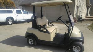 2010. Club Car Golf Cart for Sale in Bloomington, IL