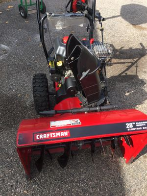 "Craftsman snowblower in great working condition started in first pull 28""with electric start for Sale in Lincoln, RI"