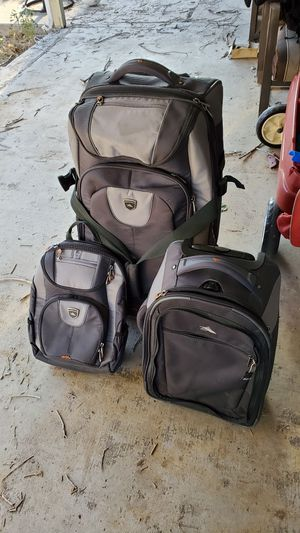 High Sierra luggage set of 3 for Sale in Colorado Springs, CO