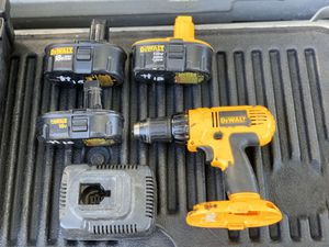 Dewalt 18 V drill with three batteries and charger all in excellent condition for Sale in Palm Harbor, FL