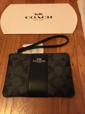 New with tag coach Wristlet. Grey black for Sale in San Francisco, CA