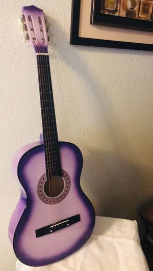 Guitar for Sale in Corning, CA