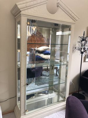 Gabberts curio cabinet like new for Sale in Minneapolis, MN