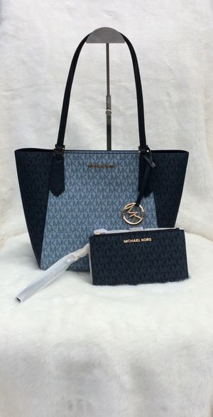 Michael Kors (2pcs) Kimberly SM Bonded Tote for Sale in Worcester, MA