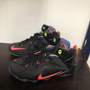 Nike's Shoes wore twice. Women size 5y for Sale in Palm Springs, FL