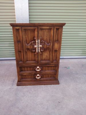Dresser Storage Cabinet in great condition for it's age drawers fuction well for Sale in Austin, TX