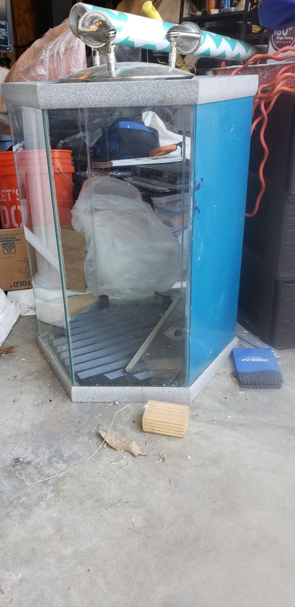 Octagon fish tank and stand