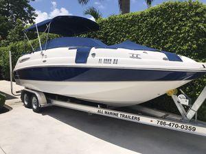 Boat Chaparral sunesta 254 2006 for Sale in Miami, FL