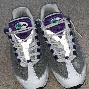Nike airmax 95 for Sale in Cinnaminson, NJ
