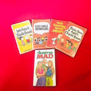 Collectible Charlie Brown Paperbacks for Sale in Casa Grande, AZ