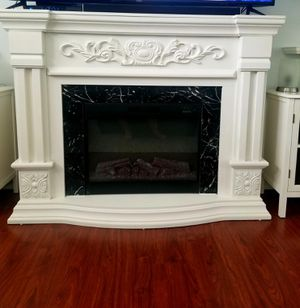 Electric fireplace 4 months old paid 999.00 for it look brand new flawless for Sale in Tacoma, WA