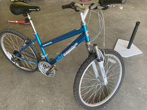 Garage cleaning day! Adults bike, fees time used for Sale in Kathleen, GA