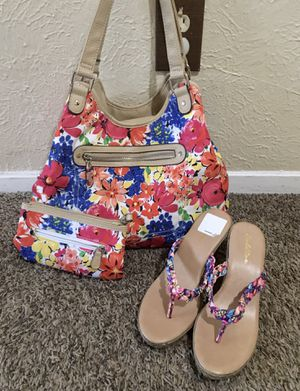 Purse with sandal size 8 for Sale in Dallas, TX